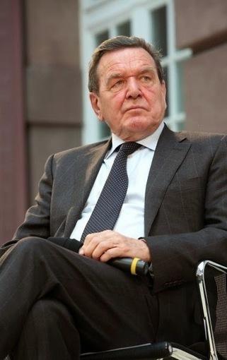 Fort Russ: Ex-Chancellor Schroeder attacks Merkel's Russia policy   Global politics   Scoop.it