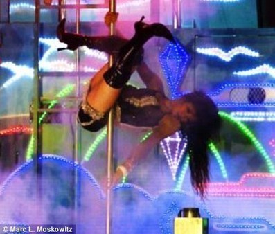 Ashes to flashes: The funeral strippers who dance to honour the dead   Society and behaviour   Scoop.it