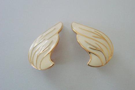80s Vintage MONET Creamy White Enamel Clip Earrings | Jewelry | Scoop.it