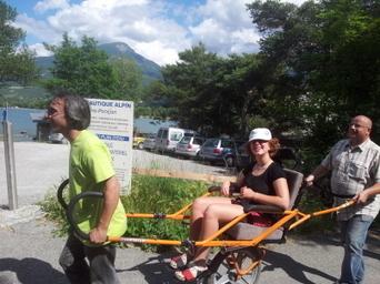 Les vacanciers handicapés se plaisent aussi dans les Hautes-Alpes - Le Dauphiné Libéré   Accessibilité et handicap ; quoi, quand, comment, ...   Scoop.it
