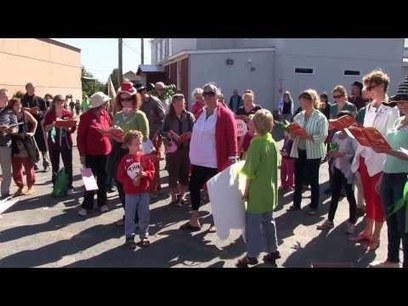 Story Flash Mob At Wolfville Farmers Market-It's Green Eggs and Ham Time-An Innovative Moment | LibraryLinks LiensBiblio | Scoop.it