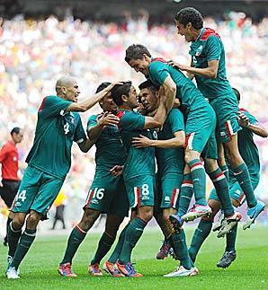 Peralta powers Mexico to soccer gold over Brazil - SI.com   london-olympics-4kiddies   Scoop.it