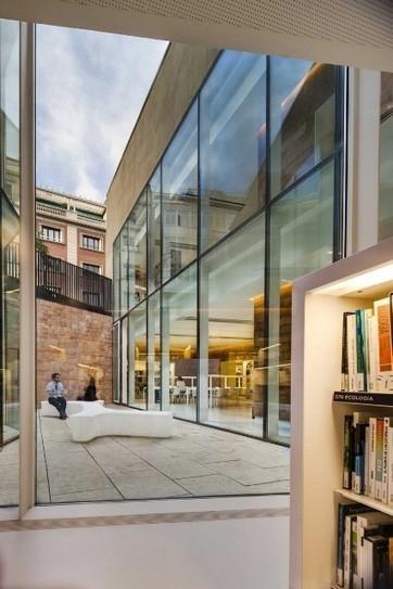 Une coquette bibliothèque baignée de lumière | Détails d'Architecture | Trucs de bibliothécaires | Scoop.it