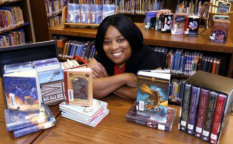 No shushing: Irving ISD librarian teaches kids the love of reading - Dallas Morning News | School Library Media Information | Scoop.it