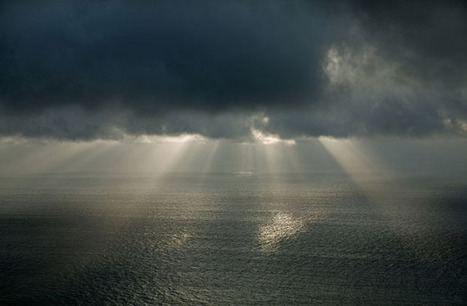 Photographs of Sunlight, Shadows, Stars, and Storms on the Atlantic - PetaPixel | It should have been me to take that photography | Scoop.it