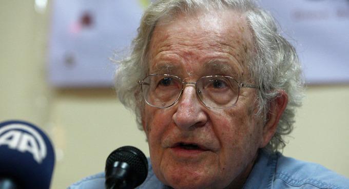 Noam Chomsky: Western Media is Still 'Manufacturing Consent' / Sputnik International   real utopias   Scoop.it
