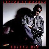 Lapiro de Mbanga, l'« homme guitare », est mort | Le Monde | Afrique | Scoop.it
