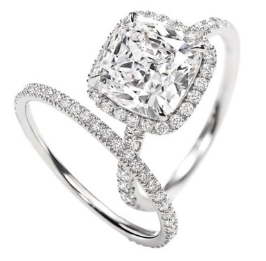 Cushion-Cut Micropavé Diamond Engagement Ring | Nadinement vôtre | Scoop.it