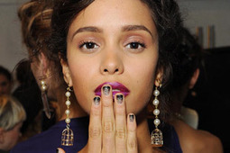 The Official Guide to Removing Glitter Nail Polish (Without Wanting to Break Something) | The Nail Zone | Scoop.it