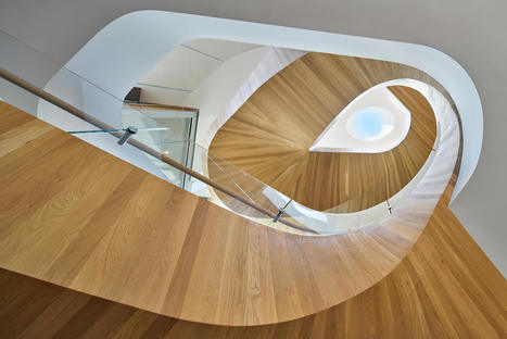 Helical Staircase Makes an Eccentric Centerpiece in this LA Family Home - Freshome.com | Arkitektura xehetasunak | Scoop.it