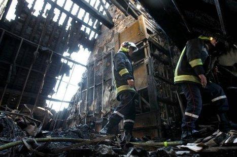 Incendie de La Rochelle : visite dans une mairie dévastée | Rhit Genealogie | Scoop.it