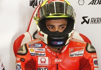 Iannone cancels shoulder surgery | Ductalk Ducati News | Scoop.it
