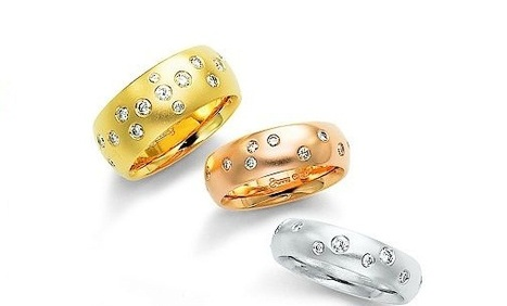 Etienne Perret Starlight Gold wedding bands with diamonds | Rings of the World | Scoop.it