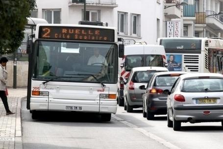 Passage à tabac dans un bus de la STGA: une lycéenne témoigne   Mairie d'Angoulême   Scoop.it