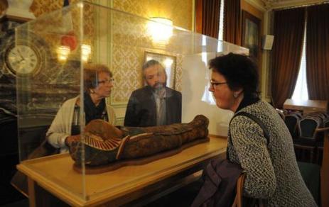 Rueil : la momie restaurée présentée aux donateurs | Merveilles - Marvels | Scoop.it