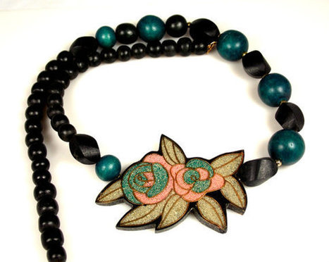 Vintage Wood Lacquered Enamel Flower Necklace Pink Green Black | Vintage Jewelry | Scoop.it