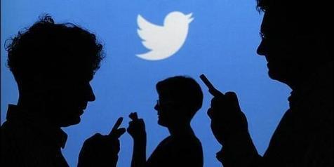 Qué hacer si nuestro hijo es adicto al móvil y no hay quien se lo despegue de la oreja :: Tecnología :: Telefonía :: Periodista Digital