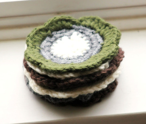 ElizaKPrints: Handmade Holiday: Crochet Flower Coasters   PKC Crochet   Scoop.it