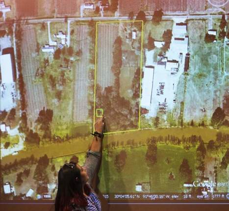 UL-Lafayette students on hunt for remains of early Acadiana settlers | Seth Dickerson | The Advocate | Digital Media Literacy + Cyber Arts + Performance Centers Connected to Fiber Networks | Scoop.it