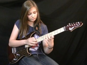 Fourteen-Year-Old Girl's Blistering Heavy Metal Performance of Vivaldi | Violins | Scoop.it