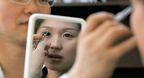 Chinese Undergo Plastic Surgery to Change Their Destiny | Beauty | Scoop.it