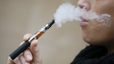 Girls aged 11 'trying e-cigarettes' | Teenage Whisperer Weekly | Scoop.it