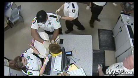 VIDEO: Florida deputy chokes handcuffed inmate and slams his head on desk; gets fired | The Billy Pulpit | Scoop.it
