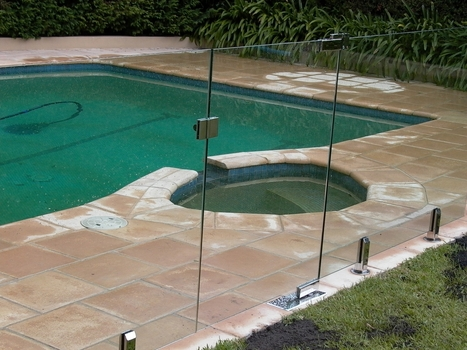 "Pool fencing: ""Climability"" 