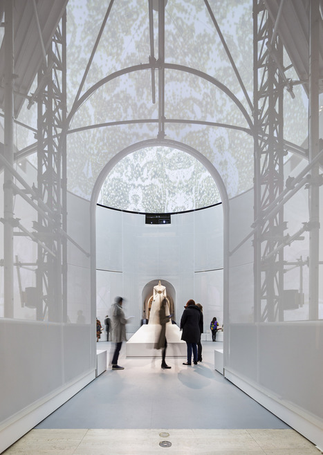 "Preview OMA's Installation for Met Museum Exhibition ""Manus x Machina"" 
