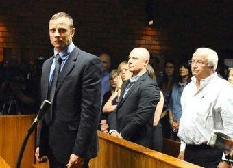 Oscar Pistorius Cries In Court & Reeva Steenkamp - Hollywood Life | Oscar Pistorious Trial | Scoop.it