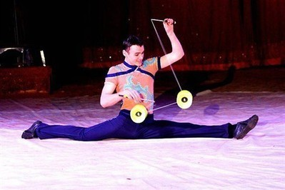 Cirque Medrano : Victor, le virtuose du diabolo , Nantes 27/02/2013 - ouest-france.fr | La magie du Cirque | Scoop.it