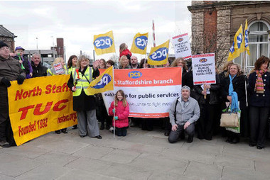 Hundreds of public sector workers stage strike | Public Sectors | Scoop.it
