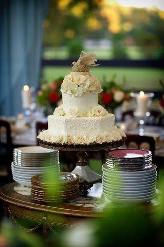 vintage Style Garden White octagon multi Shape   CLASSIC MULTISHAPE WEDDING CAKES   Scoop.it