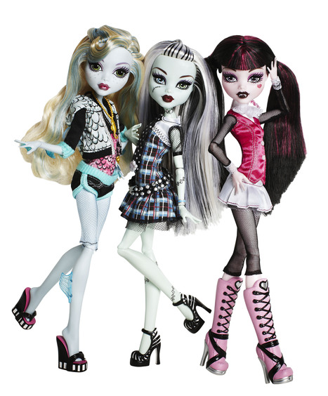 Fangs And Fishnets For The Win: 'Goth Barbie' Is Monstrously Successful : NPR | The_storyFormula: story worlds & wearables! | Scoop.it
