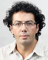 """Palestinians are not 'animals in zoos'"" columnist Ramzy Baroud writes on war zone photography   Fotografía de guerra   Scoop.it"