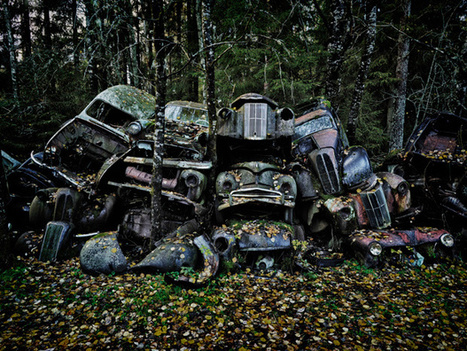 Abandoned Vintage Cars Lost in the Woods | Urban Decay Photography | Scoop.it