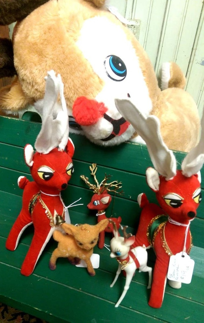 We have reindeer; yes, we do! | Antiques & Vintage Collectibles | Scoop.it