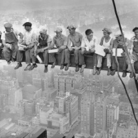 «Lunch Atop a Skyscraper»: l'une des photos les plus connues au monde était une publicité | Slate | Ca m'interpelle... | Scoop.it