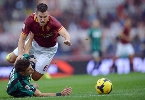 Man United to Offer Striker In Part Exchange for AS Roma Midfield Maestro ... - caughtoffside | Italian Football | Scoop.it