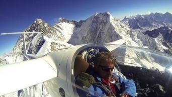 Il atteint le sommet de l'Everest avec son planeur, une première mondiale | Air Panic Assistance : Aerophobie et stress en avion | Scoop.it