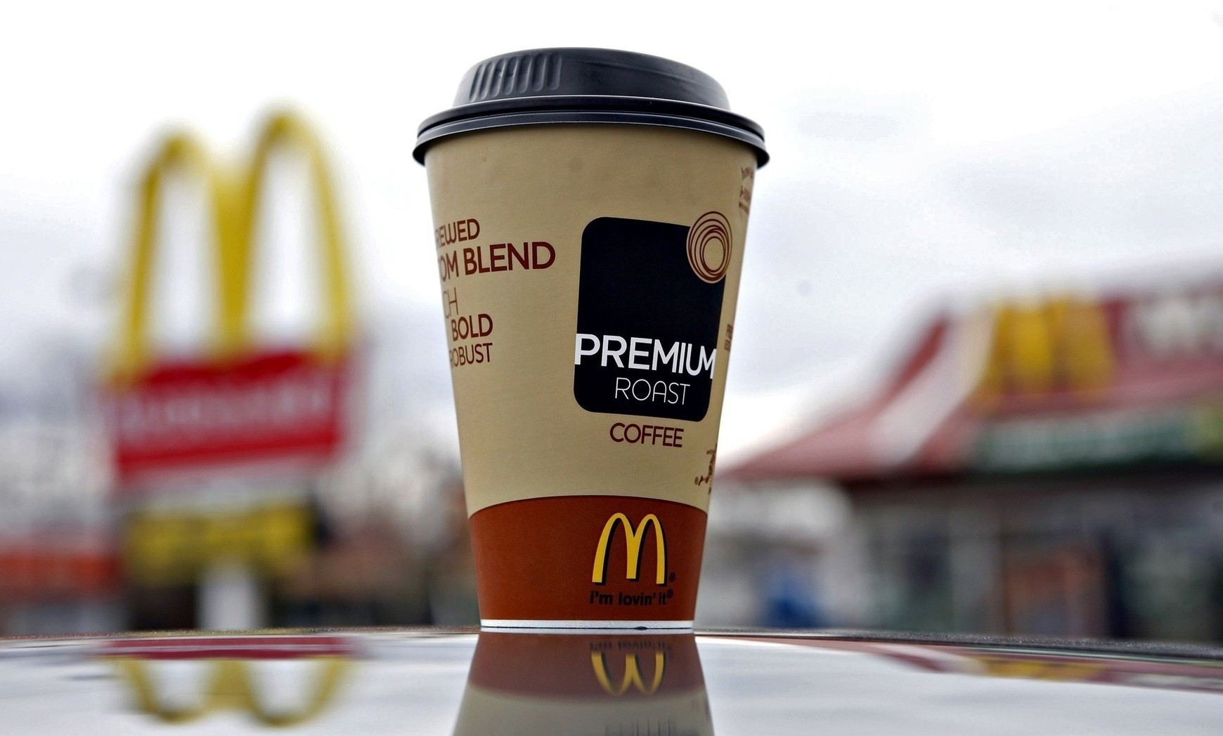 McDonald's offers free coffee after Taco Bell breakfast rollout