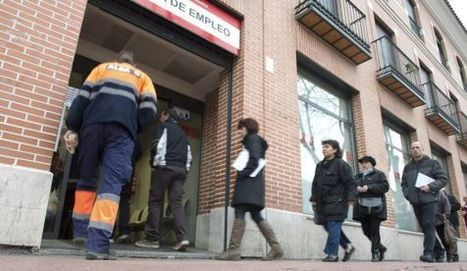 El paro registrado baja en 46.050 personas en abril | Periodismo | Scoop.it