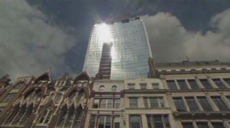 Le reflet d'un immeuble fait fondre une Jaguar à Londres   Mais n'importe quoi !   Scoop.it
