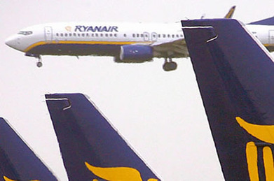 Ryanair's latest money-saving move could see planes fly with toilets out of order | Allplane: Airlines Strategy & Marketing | Scoop.it