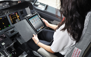 Alaska Airlines Replaces Flight Manuals With iPads | Entrepreneurship, Innovation | Scoop.it
