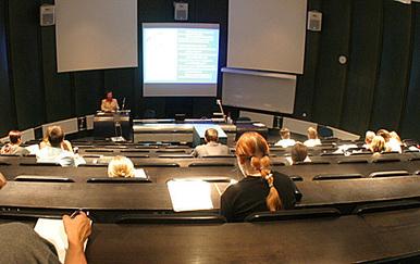 Jännittäjien virtuaalinen vertaistukiryhmä auttaa opiskelijaa   Kuntoutus & mielenterveys   Scoop.it