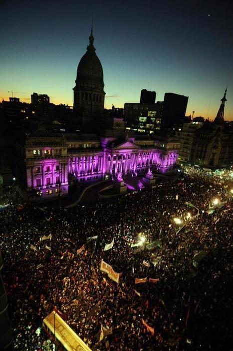 Massive Demonstration in Argentina to End Violence against Women #NiUnaMenos | Women of The Revolution | Scoop.it