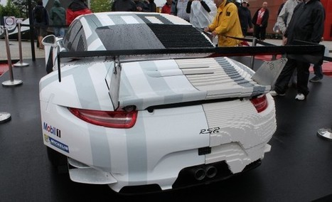 Half-Lego, Half-Real Porsche 911 RSR Is the Curviest Collection of Rectangular Bricks | Heron | Scoop.it