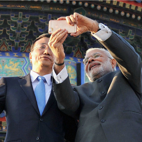 Digital Diplomacy: Decoding the significance of the Modi-Li selfie | Latest News & Updates at Daily News & Analysis | Doing Digital Diplomacy | Scoop.it