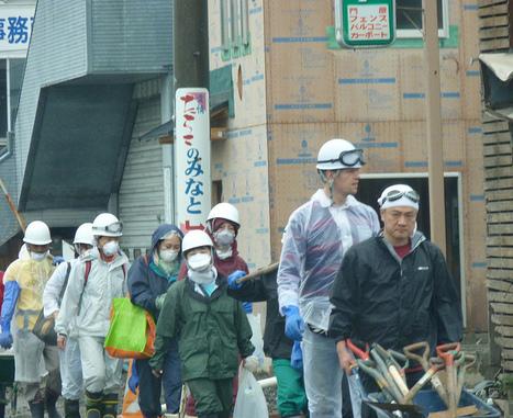 [photo] Et pendant ce temps là ... à Ishinomaki | Peter Jacobs | Japon : séisme, tsunami & conséquences | Scoop.it